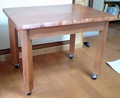 ブナ小テーブル斜め上