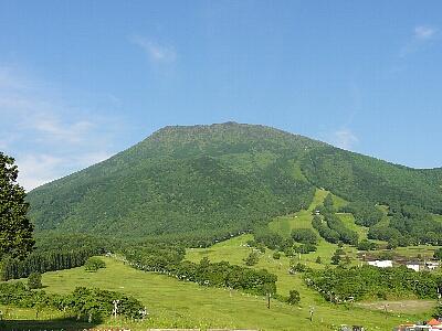 初夏の黒姫山