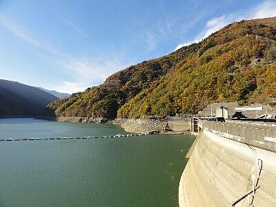 秋の奈川度ダム