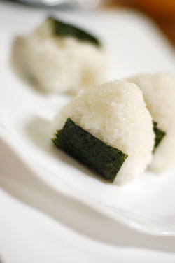 オイシックスのお米でおにぎり