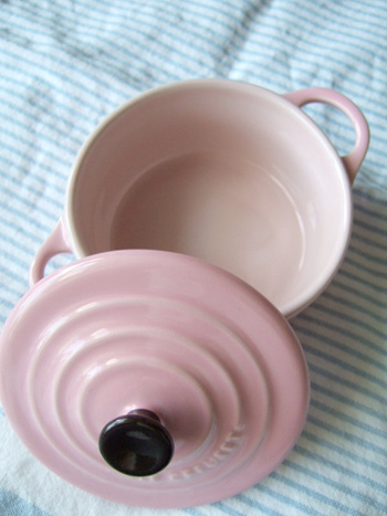 lecreuset_pink2