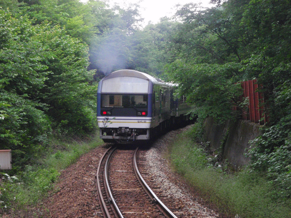 会津鉄道会津線 塔のへつり駅 トロッコ列車