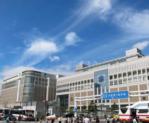 JR札幌駅大丸JRタワ−交差点.jpg