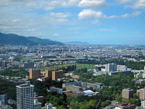 北海道大学遠景JRタワーより.jpg