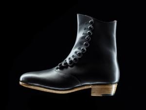 立野千重 靴