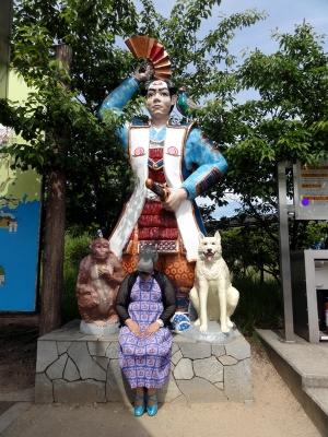 桃太郎とカバ