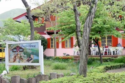 BUZZ HOUSE(バズハウス)