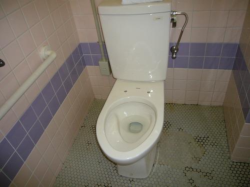 H210809第二掃除場所ぴかぴかの洋式トイレ