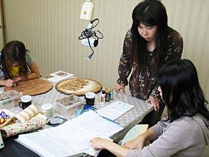 多田先生のトールペイント教室風景