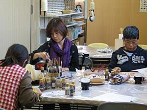 戸田旭映先生のトールペイント教室風景