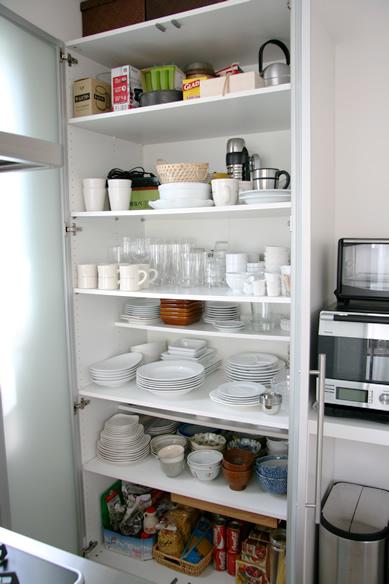IKEAの食器棚が便利!お部屋の ...