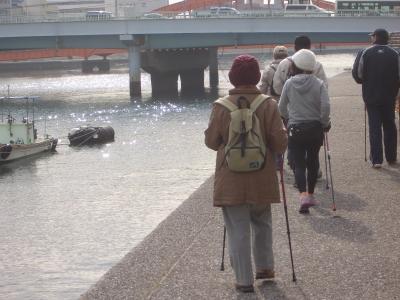 水辺の散歩