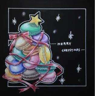 チョークアートでマカロンのクリスマスツリー