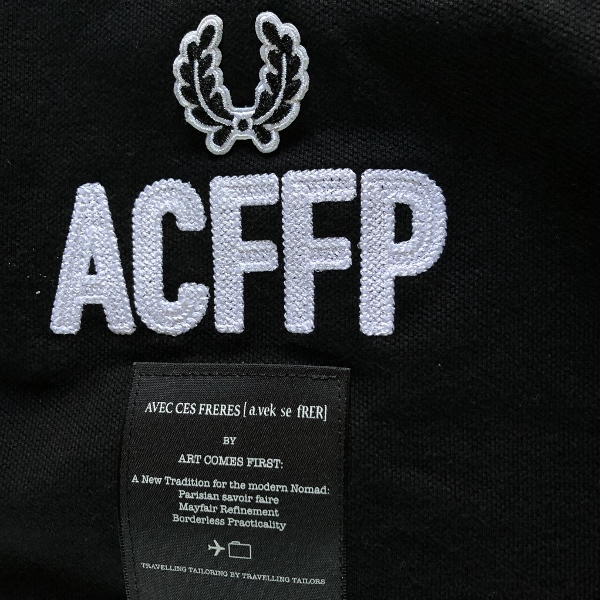 Art Comes First Embroidered Fred Perry Shirt black アップ (600x600).jpg