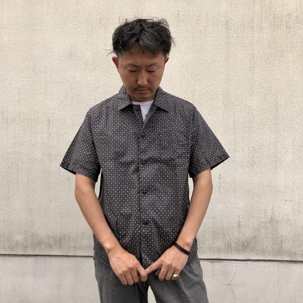 レミレリーフ バンダナ小紋柄シャツ NAVY (600x600).jpg
