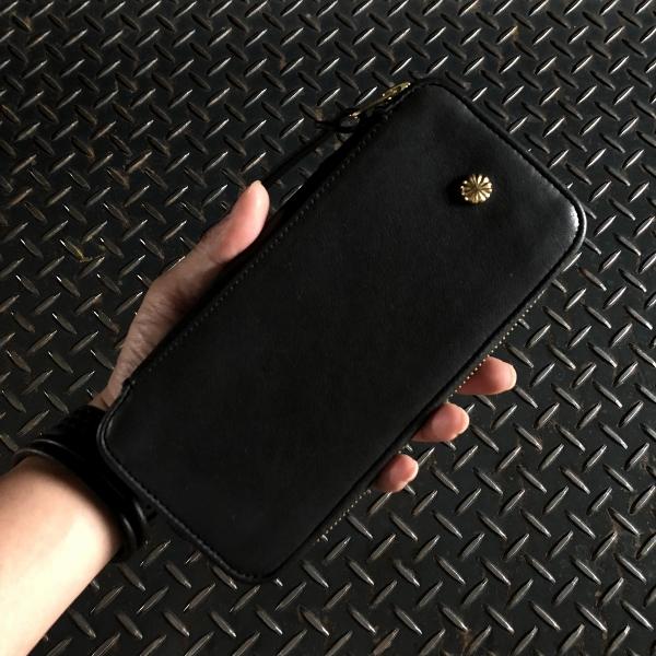 ダマスキーナ classic zip button wallet large black (600x600).jpg