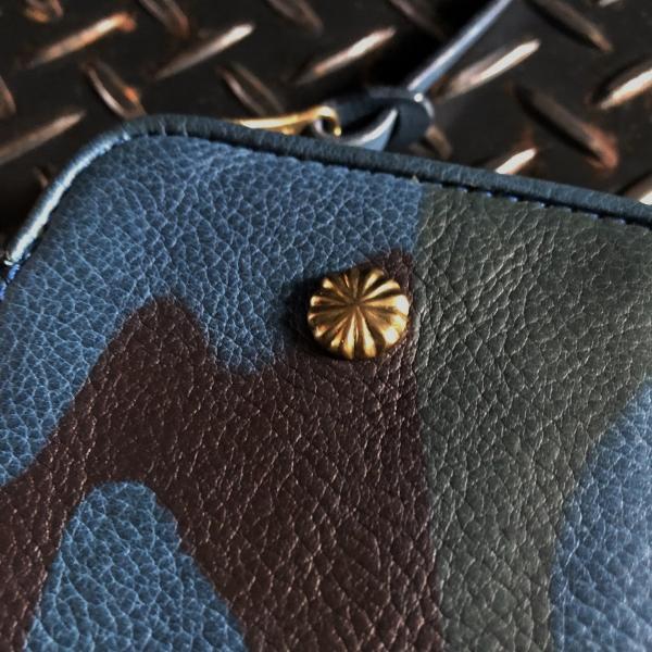 ダマスキーナ classic zip button wallet large camo アップ (600x600).jpg