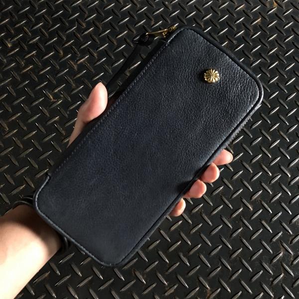 ダマスキーナ classic zip button wallet large navy (600x600).jpg