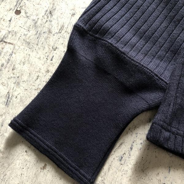 CALOLINE MIL CREW BLACK キャルオーライン ロンT (600x600).jpg