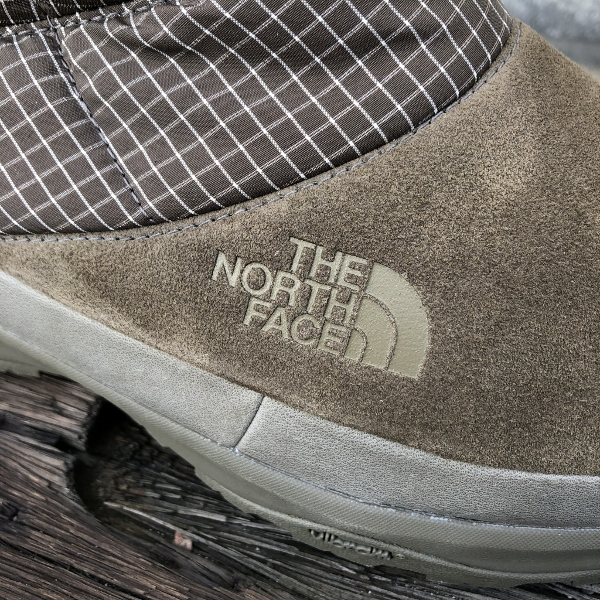 THE NORTH FACE PURPLE LABEL Nuptse Bootie WP Leather ロゴ (600x600).jpg