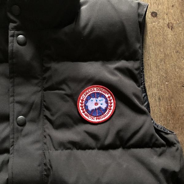 freestyle crew vest canadagoose (600x600).jpg