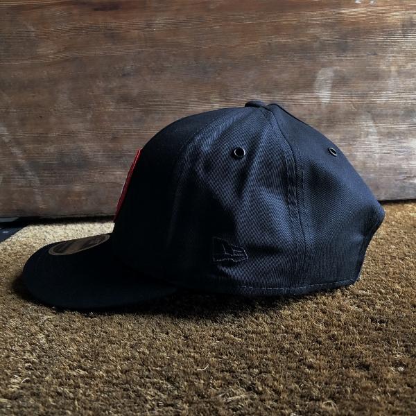 カナダグース ロゴキャップ ブラック ニューエラ (600x600).jpg