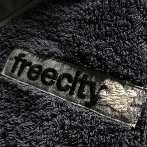 FREECITY DOVE PATCH COLD WEATHER FLEECE JACKET ワッペン (600x600).jpg