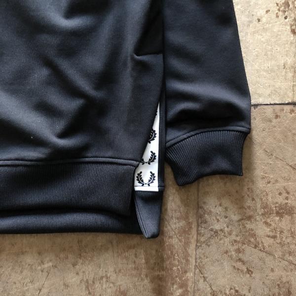 Taped Crew Neck Sweatshirt フレッドペリー テープ (600x600).jpg