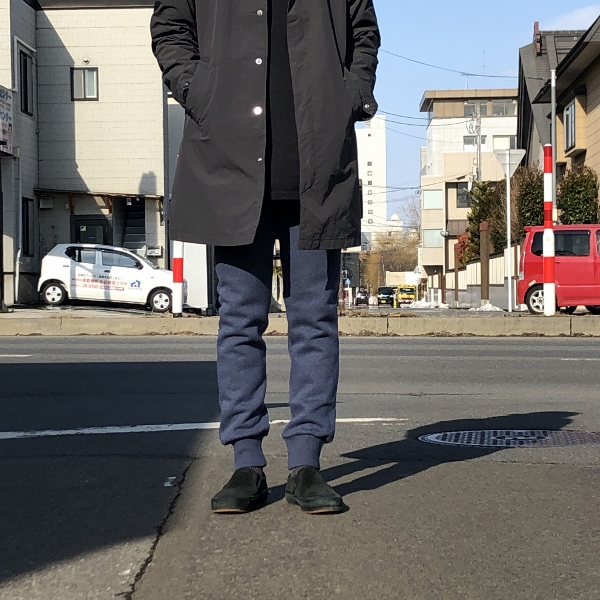 SWEET PANTS スリムパンツ インディゴ 着用 (600x600).jpg