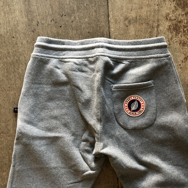 SWEET PANTS スリムパンツ グレー ヒップ (600x600).jpg