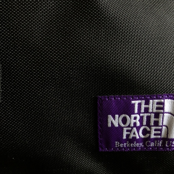 Small Shoulder Bag ノースフェイス (600x600).jpg