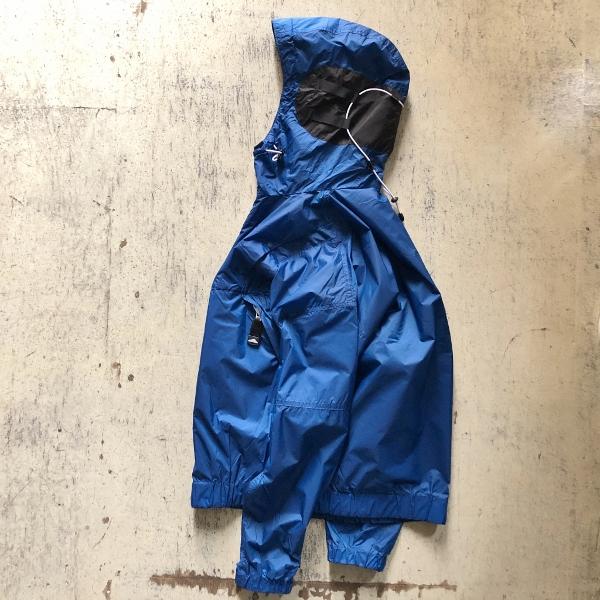 マウンテンスミス ナイロンパーカー ブルー  mountainsmith サイド (600x600).jpg