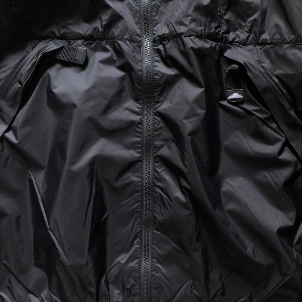 マウンテンスミス ナイロンパーカー ブラック ポケット (600x600).jpg