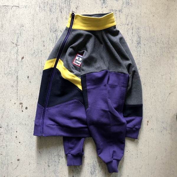 have a good time MINI FRAME 4 COLOR ZIP-UP SWEATSHIRT サイド (600x600).jpg