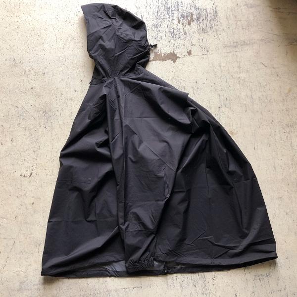 ノースフェイス タグアンポンチョ ブラック (600x600).jpg