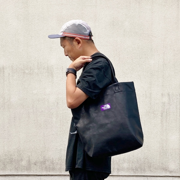 Synthetic Leather Tote north face purple label 着用 (600x600).jpg