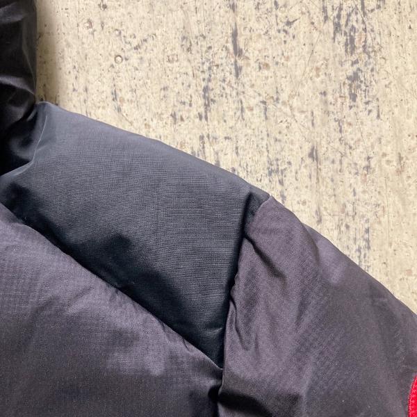アームストロングフーディ 肩 (600x600).jpg