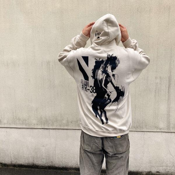 labrat wk girl hoodie ラブラット 着用 (600x600).jpg