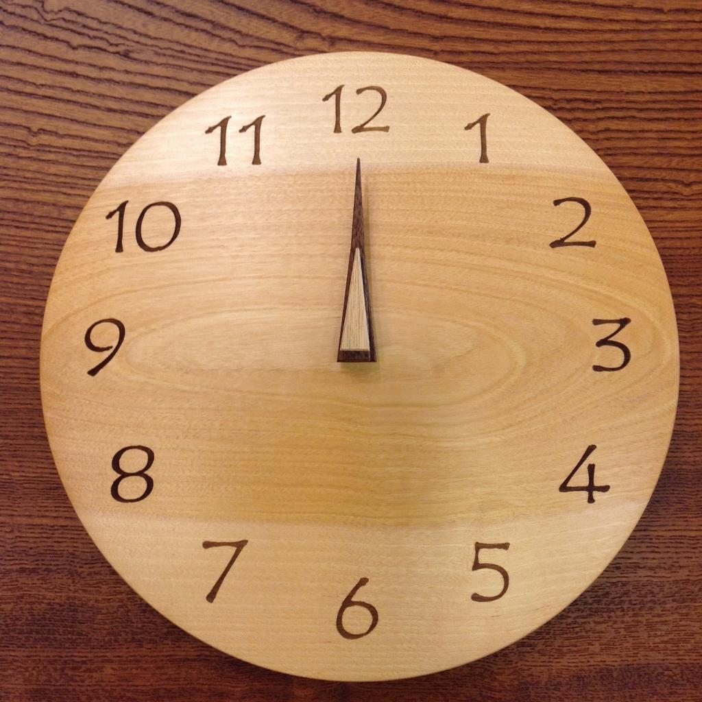 丸時計とリボンのアンティークピアス