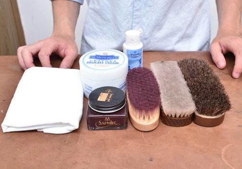 革靴に使用する道具