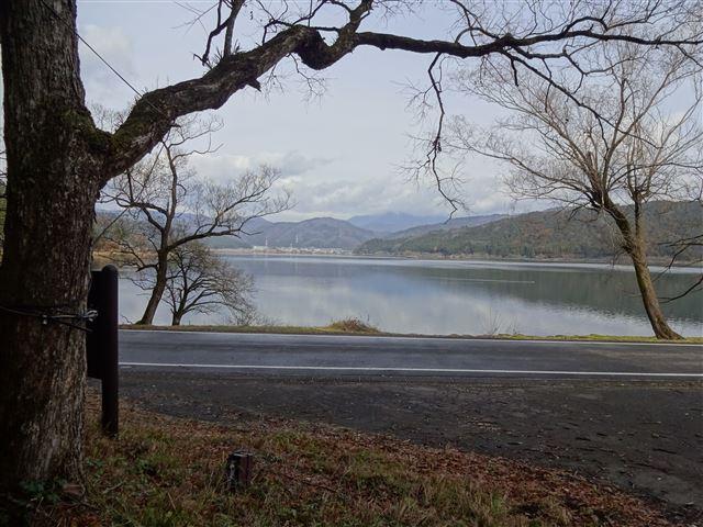 余呉湖湖畔到着