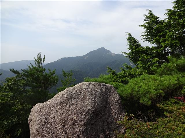 鎌ヶ岳遠望