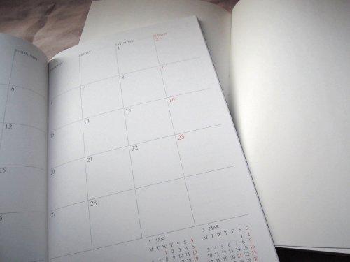 来年のスケジュール帳はアピカのノートタイプと・・・。