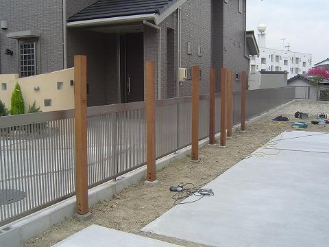 フェンス柱