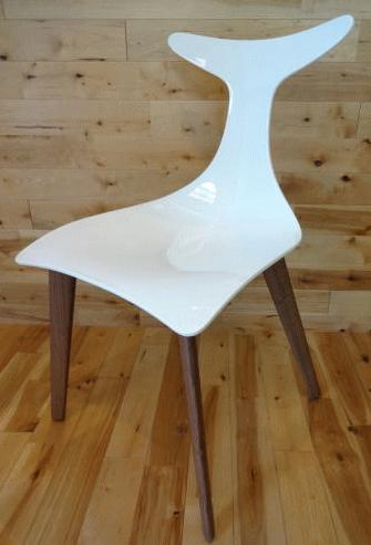 Gino Carolloがデザインした「DEFLY WOOD WHITE」チェア
