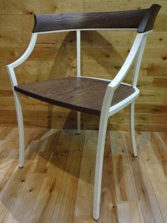 Archirivoltoがデザインした椅子「TULANDOT」