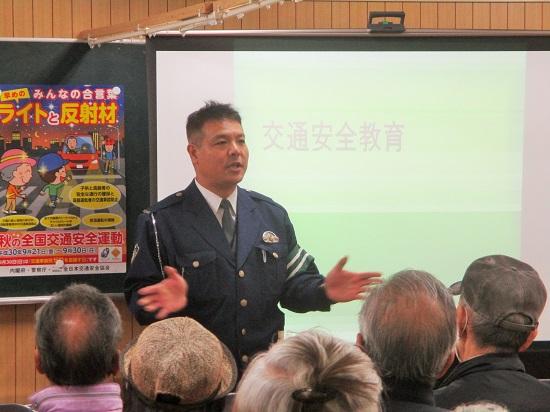 泉署から交通安全教育を担当する秋本部長が講演してくださいました。