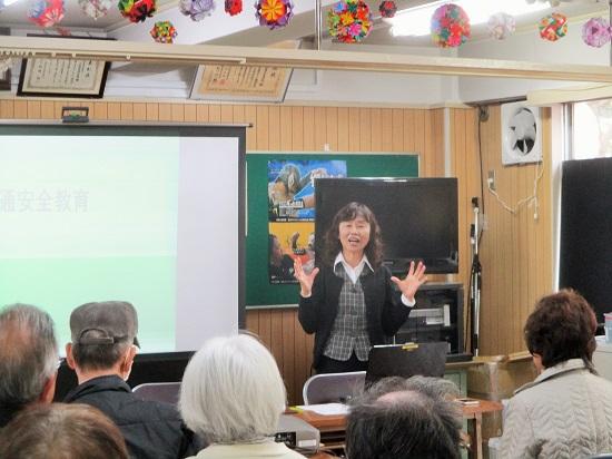 交通安全協会の櫻井事務長が映像を使った講演をしてくださいました。