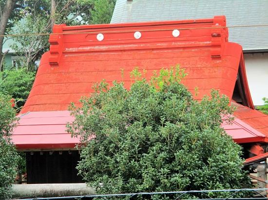2019年8月16日(金)神明社の屋根が修復されました。