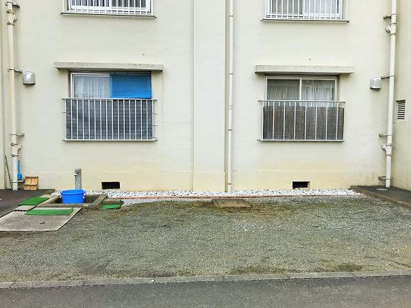 2019年12月26日(木)4号棟のお庭 完璧な防草対策